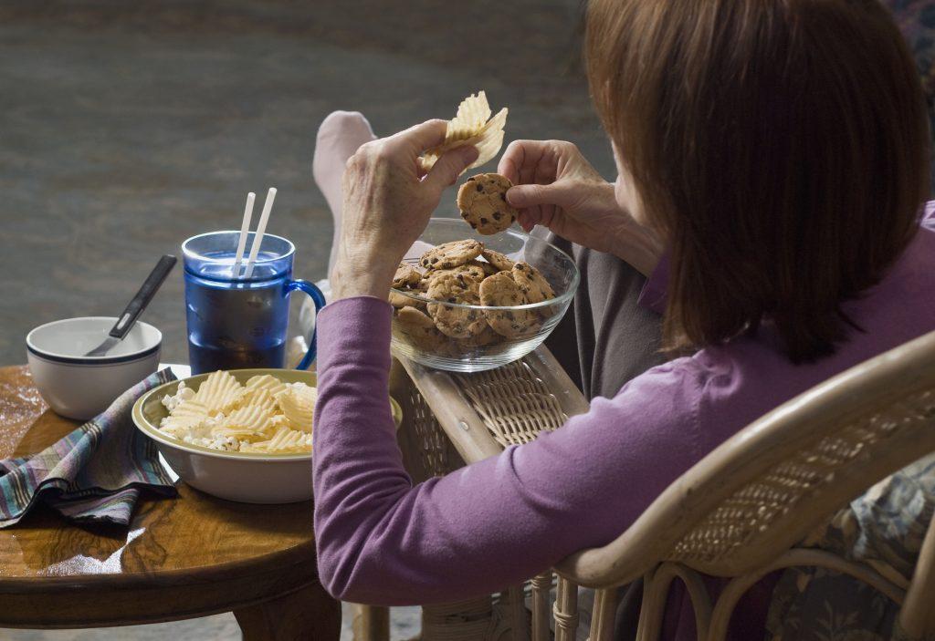 mindless emotional eating of junk food