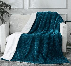 DaDa Bedding Mermaid Scales - Lavish Soft Warm Plush - Faux Fur Sherpa Fleece Throw Blanket
