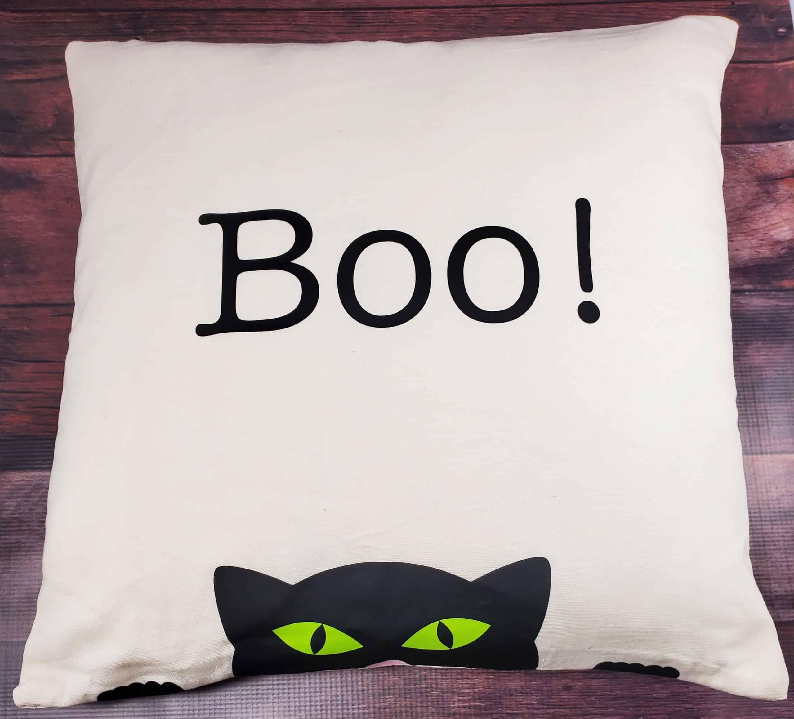 """""""Boo"""" Cat Halloween Pillow"""