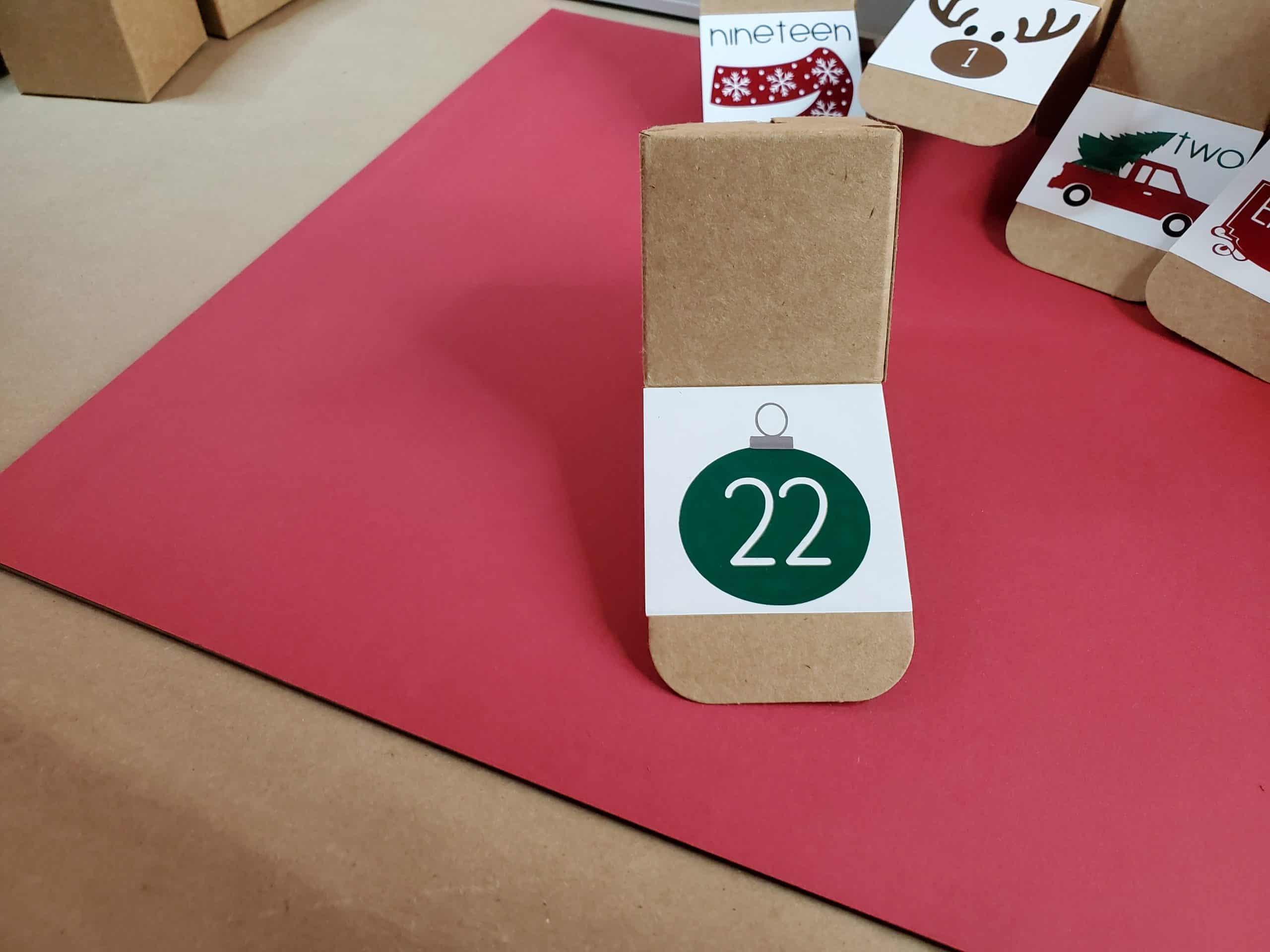 Square 22 box