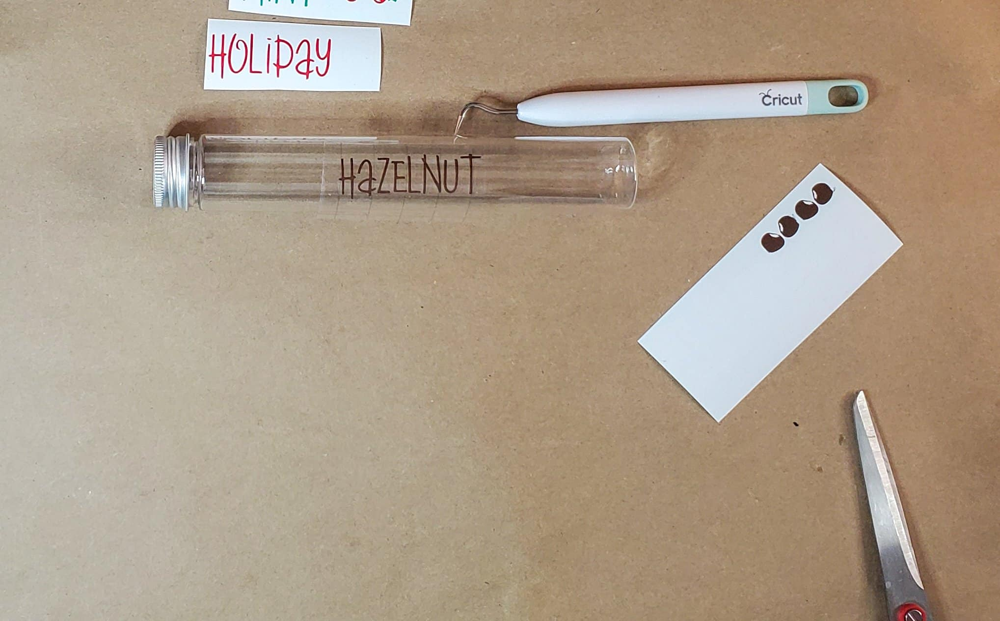 Add Hazelnut lettering to container tube