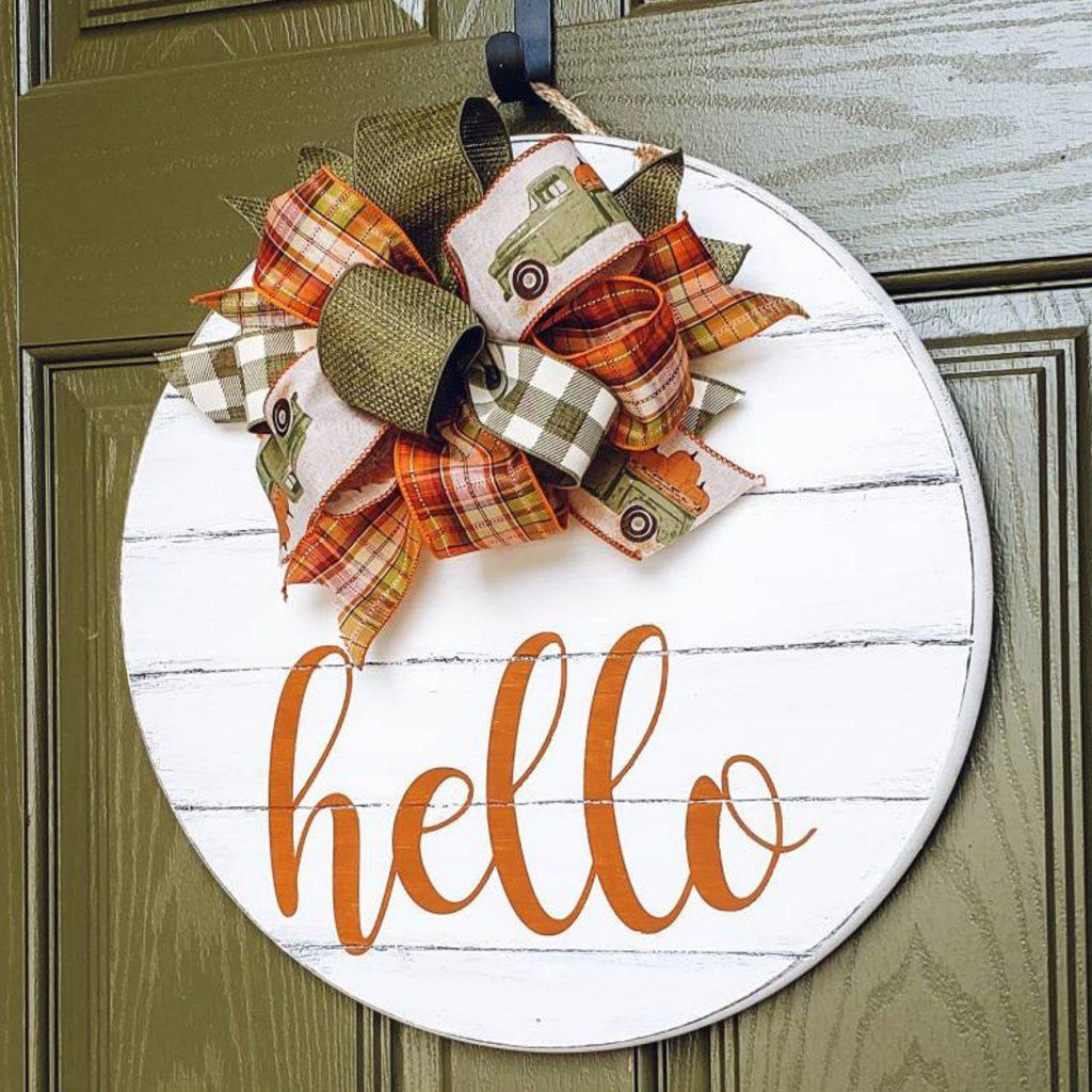 Beautiful Fall Decor Finds - Fall Door Hanger
